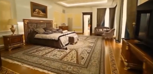 Alisher Usmanov home pictures 2