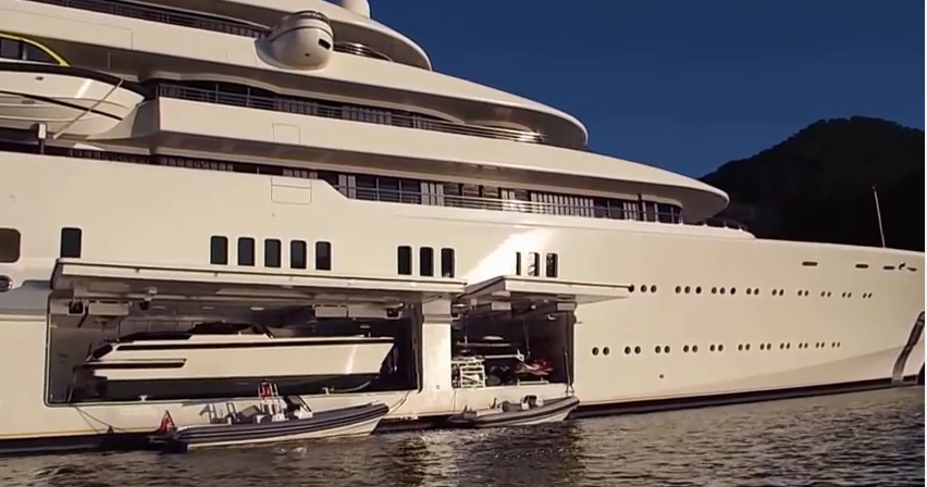 Roman Abramovich Yacht Net Worth Wiki Girlfriend Cars House