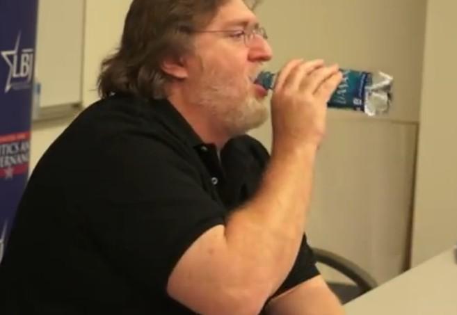 Lisa Mennet Gabe Newell