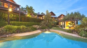 Chris Hemsworth pool house  Byron Bay