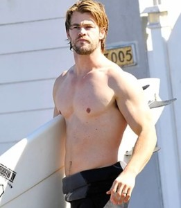 chris hemsworth body