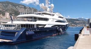 lakshmi mittal yacht amevi