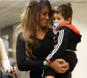 lionel messi girlfriend son