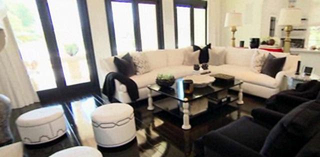 khloe kardashian net worth new house age wiki boyfriend. Black Bedroom Furniture Sets. Home Design Ideas