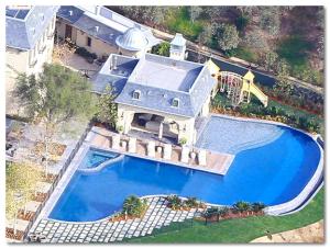 Tom Brady home photo