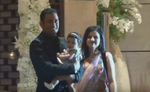 ms dhoni daughter wife sakshi