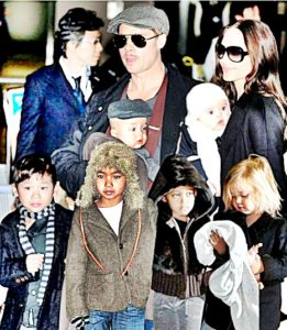 angelina-jolie-and-brad-pitt-with-children