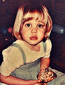 angelina-jolie-childhood-pics