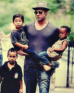 brad-pitt-with-kids-pics